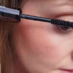 How to Apply Mascara Correctly