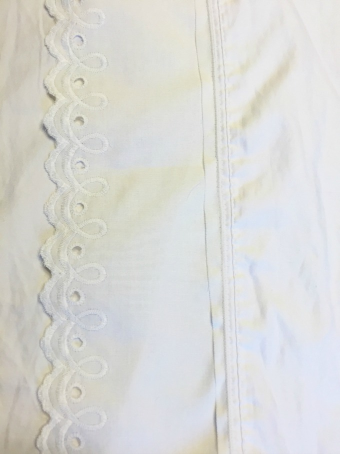 How to add lace trim to a pillowcase
